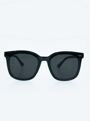 Очки солнезащитные VICTORIA 906