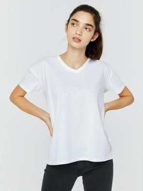 Свободная футболка с v-образным вырезом KAIA 101